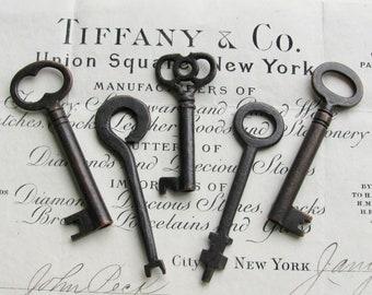 5 authentic antique skeleton keys, genuine keys, refinished, 2.5 inches, dark, distressed, aged black patina, vintage keys