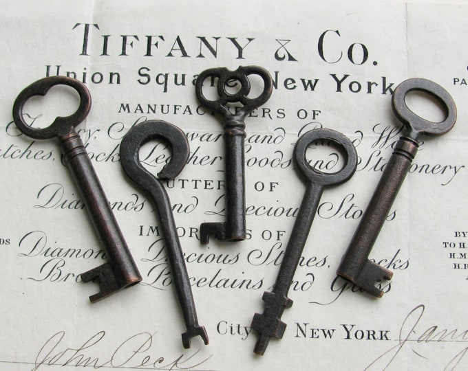 5 authentic antique skeleton keys, genuine keys, refinished, 2.5 inches, dark, distressed, aged black patina, vintage keys