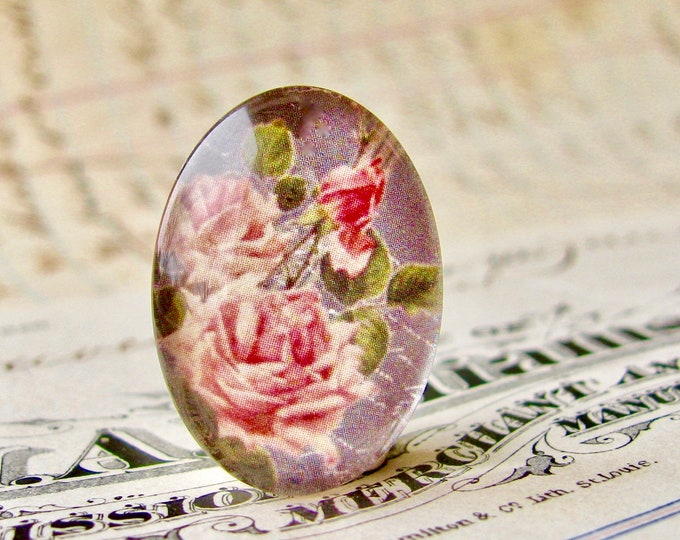 Pink roses on a blackboard, handmade in this shop, 25x18mm glass oval cabochon, Fabulous Floral collection, vintage flowers, pink flowers