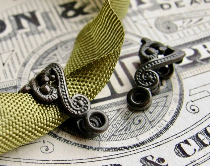 Paisley bail, decorative bail, folded filigree, 15x8mm black antiqued brass bail (2 bails) link, pendant holder, necklace finding