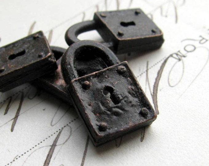 Rustic, weathered jewelry box lock charm from Bad Girl Castings, black metal finding, cast pewter 18mm (4)  small size, key hole CH-SC-026