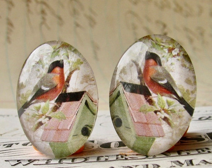 Mirrored pair of robins on a birdhouse, for earrings, opposite facing, handmade glass cabochons, 25x18mm ovals, orange red, left right