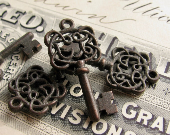 Filigree jewelry box key charms from Bad Girl Castings, black key, black pewter (4 small pendant keys) 28mm skeleton key CH-SC-024