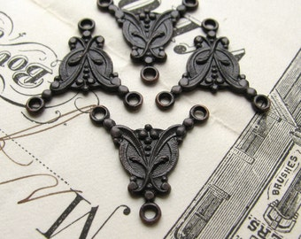 Rosary necklace link, antiqued black brass, 4 links, 18mm Art Nouveau style 3 point triple connector, pendant drop, LF-FF-004