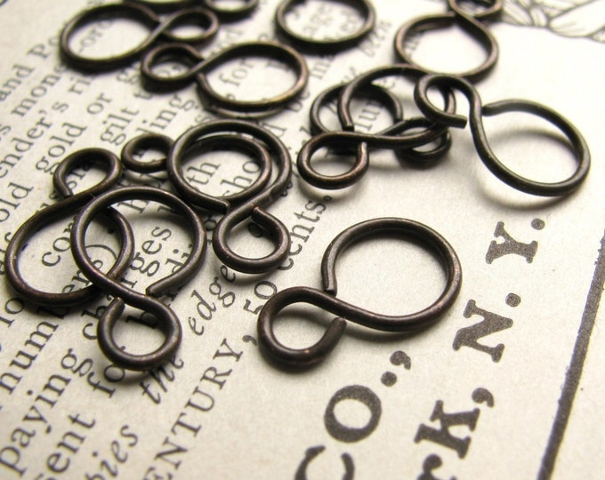13mm Snowman link - black antiqued brass - (20 links) aged, black, oxidized patina, figure eight, oxidized brass infinity link