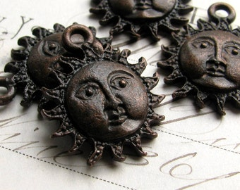 Sun face charm from Bad Girl Castings, 25mm, antiqued black pewter (4 charms) spiritual healing, beach, oxidized black CH-SC-037