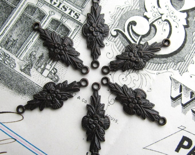 Posey link 20mm, small brass link, dark antiqued brass, 6 connectors, little flower, aged black patina, nickel free, posy, made in the USA