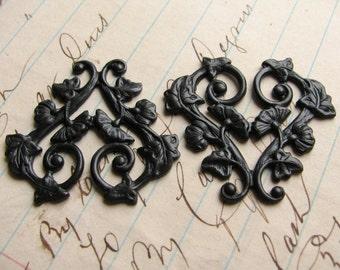 Scrolling morning glory vines, 30mm heart shaped floral link, ornament, black antiqued brass flowers valentine (2 filigree) OR-FF-009