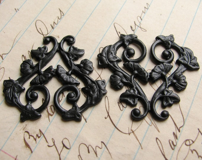 Scrolling morning glory vines, 30mm heart shaped floral link, ornament , black antiqued brass flowers valentine (2 filigree) OR-FF-009