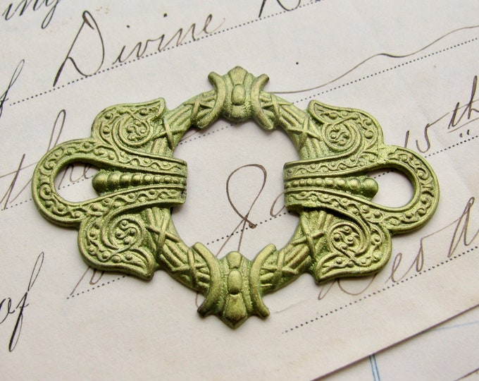 Absinthe finish, green patina, verdigris highlights, antiqued brass wreath connector, 50mm, large link, fancy finish, green fairy