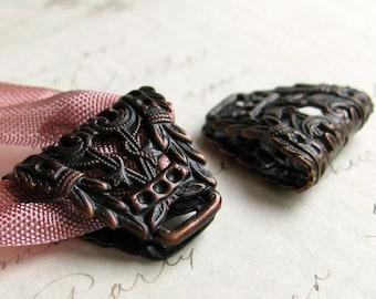 Laurel wreath (2 large bails) folded filigree, 18x22mm black antiqued brass bail for ribbon, link, pendant holder, necklace finding