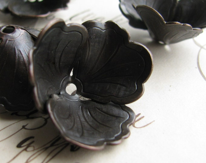 Fully bloomed black pansy, 30mm large bead cap, black antiqued brass (2 bead caps) black brass bead cap