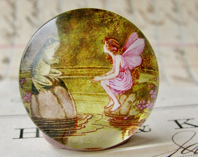 Fairy and Toad, handmade 25mm round glass cabochon, fantasy stories, bottle cap, 1 inch, from the Winged Wonders collection