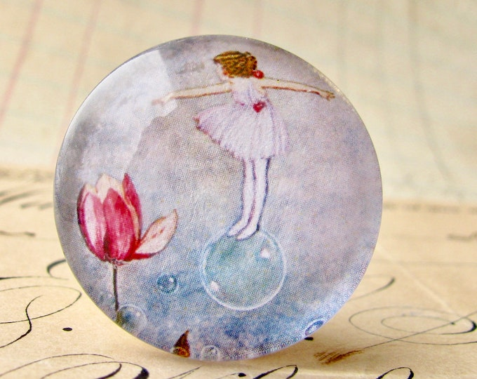 Bubble fairy with tulip, handmade 25mm round glass cabochon, fantasy stories, bottle cap, 1 inch, from the Winged Wonders collection