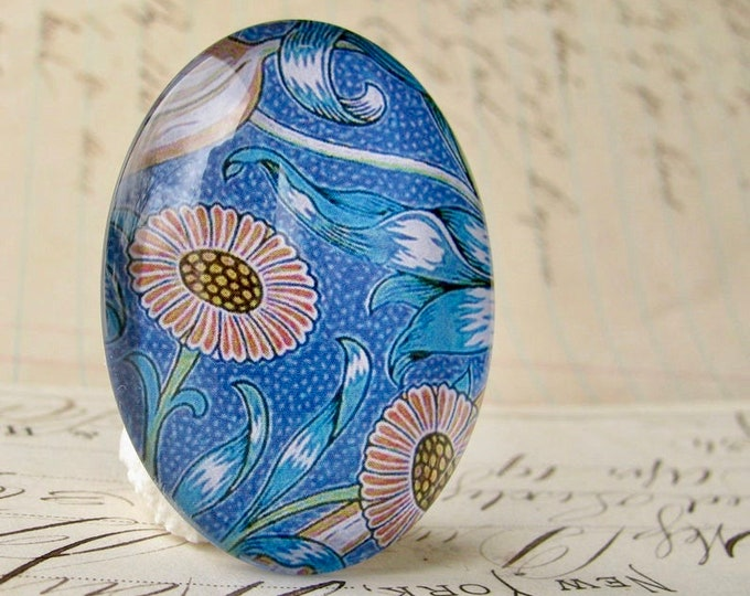 NEW! William Morris collection - blue floral, 40x30mm glass oval cabochon, wallpaper print, handmade in this shop, Art Nouveau history