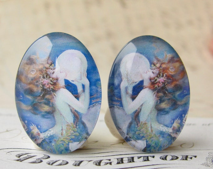 Mirrored pair of mermaids by Henry Clive, handmade glass oval cabochons, vintage bubble pearl 25x18mm 18x25mm, opposite stones