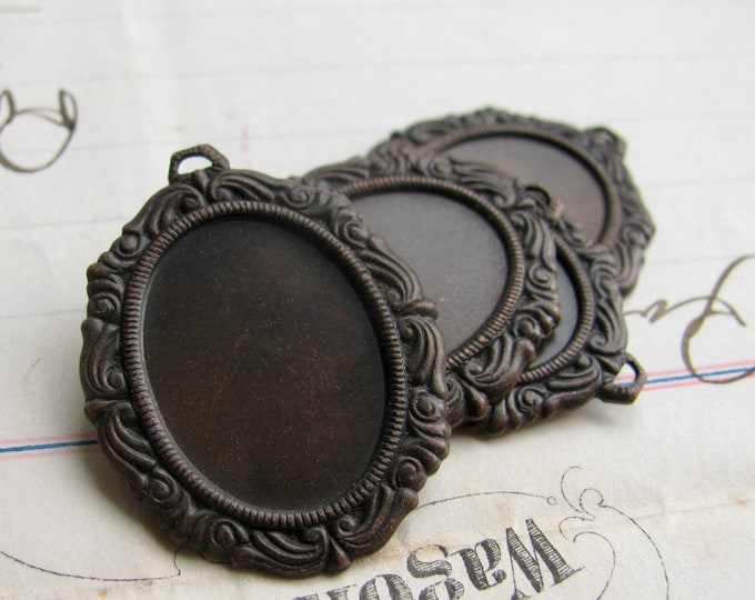 Victorian Mourning 18x13mm oval pendant tray (4 oxidized brass settings) black aged black patina, cabochon base, 13x18mm cameo frame