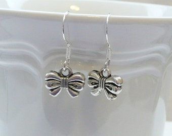 nd-Small 3D Silver Bow Dangle Earrings