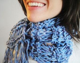 Women Knit Scarf in Blue