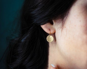 Hammered Circle Earrings, Medium Gold Filled Disc Earrings, Simple Minimalist Dangle Earrings Hammered/Smooth