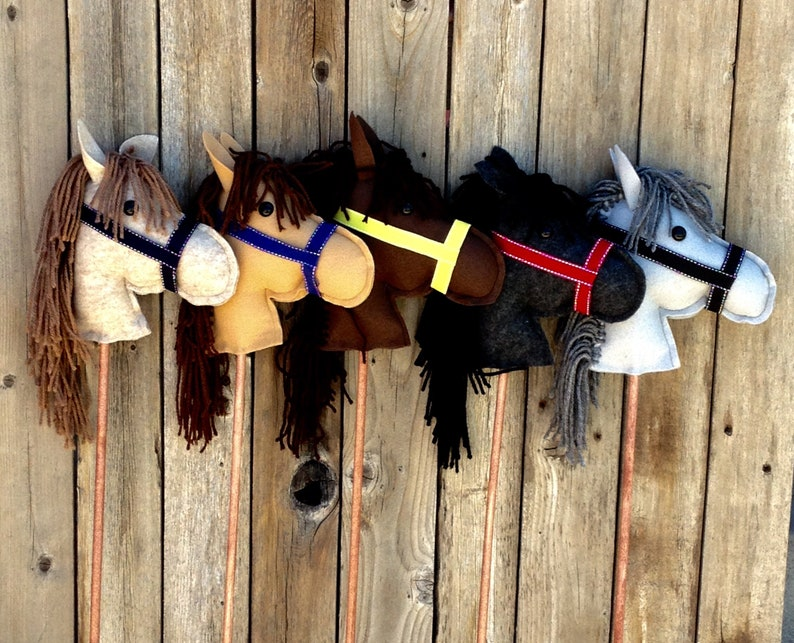 Stick horse image 0
