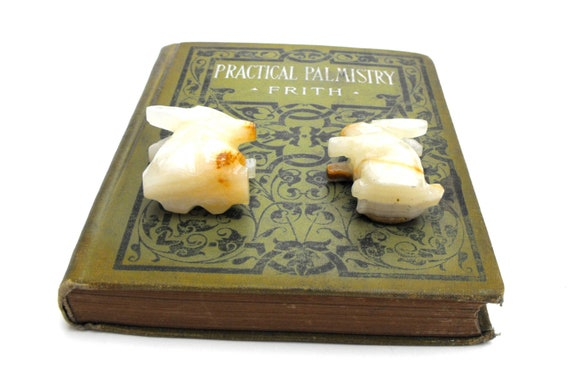 1960s Alligator Stone Carving Set Carved Crocodile Figurine Pair Mexican White Onyx Crystal Sculpture Vintage Handmade Swamp Reptile Figures