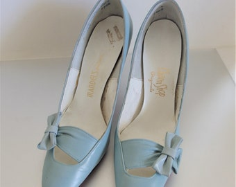 Vintage 1960's Women's  Baby Blue Leather Shoes   Vintage Leather Pumps Size  5  1/2 N   1960's Blue High Heels   Vintage Gift for Her