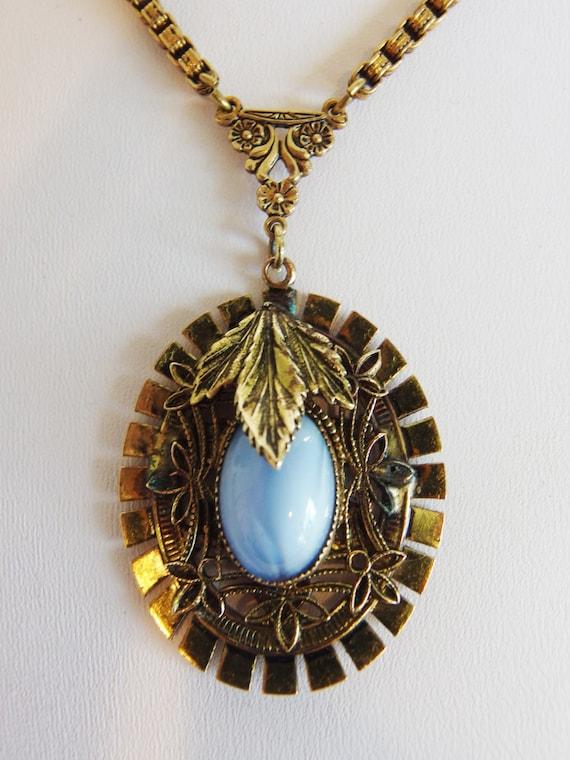 Vintage 1930's Art Deco Blue Pendant Necklace
