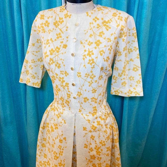 1950s/1960s W:30 mustard yellow white floral crepe