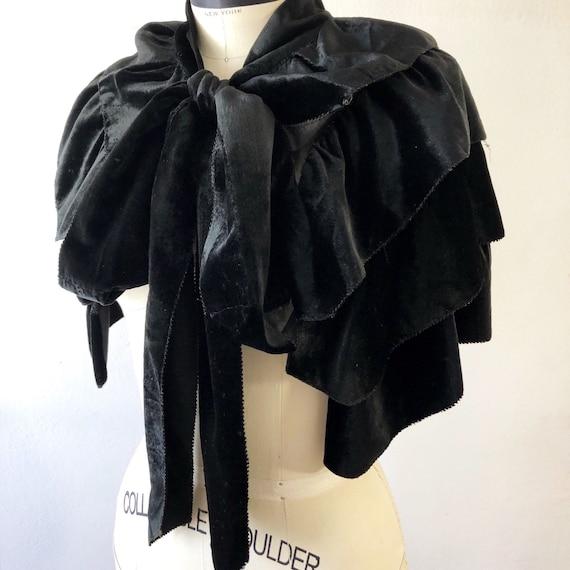 1920s/1930s black silk velvet crepe chiffon pussy