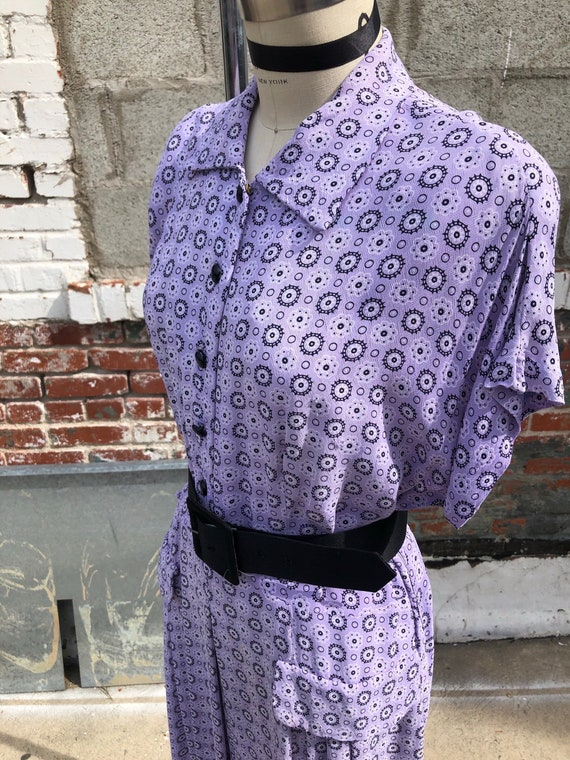 1940s W:35 VOLUP lavender black polka dot floral r