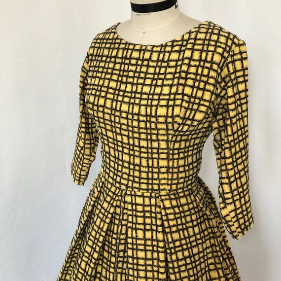 1950s/1960s W:28 yellow black windowpane corduroy
