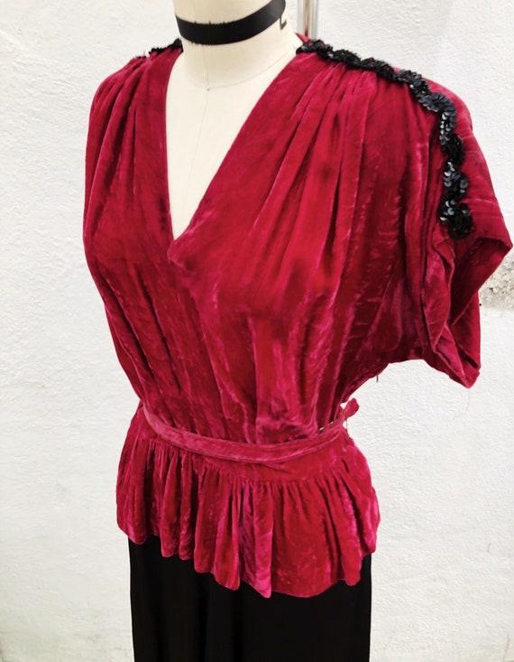 1940s W:27 raspberry silk velvet black rayon peplu