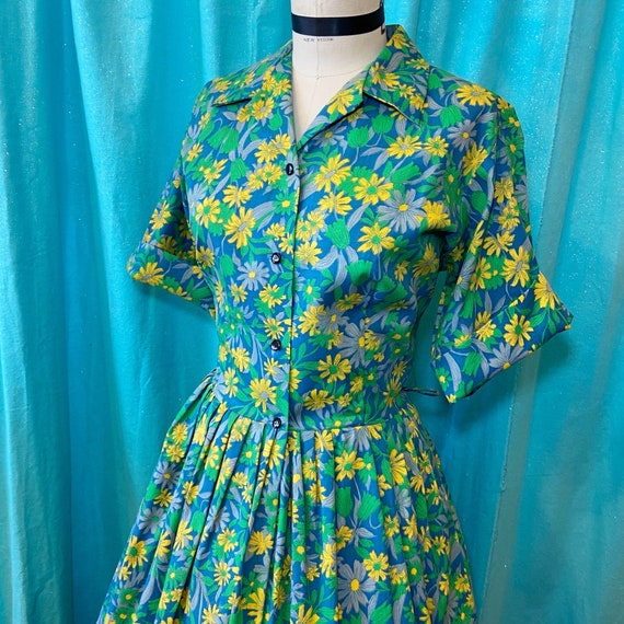 1950s/1960s W:30 green yellow blue floral cotton s