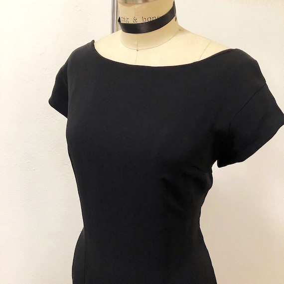1950s/1960s W:33 VOLUP LBD black rayon  crepe frin