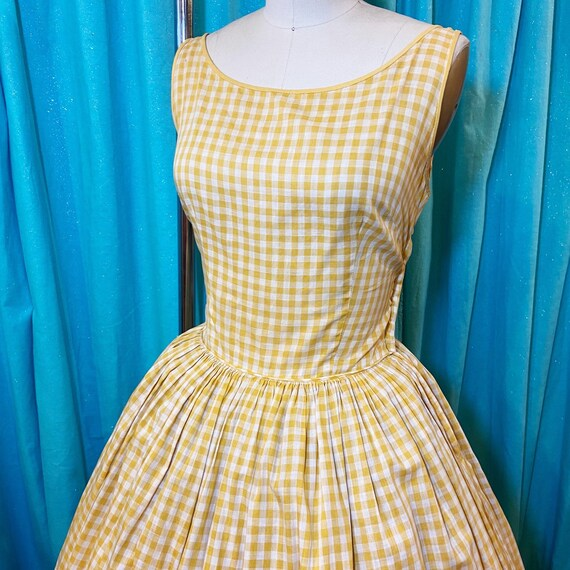 1950s/1960s W:28 mustard yellow white gingham slee
