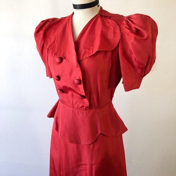1930s W:24 red orange taffeta puff sleeve double b