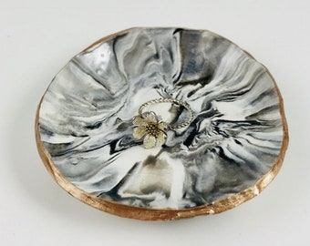 Ring Dish/Jewelry Dish - Marbled (White/Black/Gray) - Bridesmaids Gift - Wedding Gift - Engagement Gift - Gift for Her - Wedding Ring Holder
