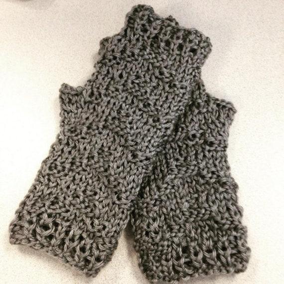 Chevron Textured Fingerless Gloves KNITTING PATTERN