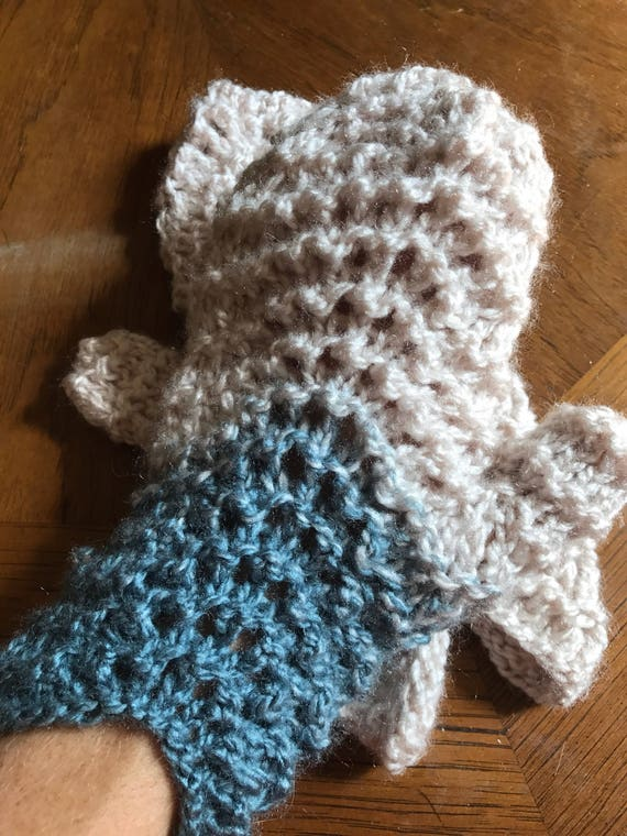Hand knit winter waves lace blue and cream mittens