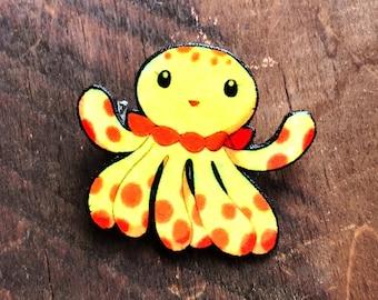 Clara Kuragehime Princess Jellyfish Pin Button Brooch Pinback Charm