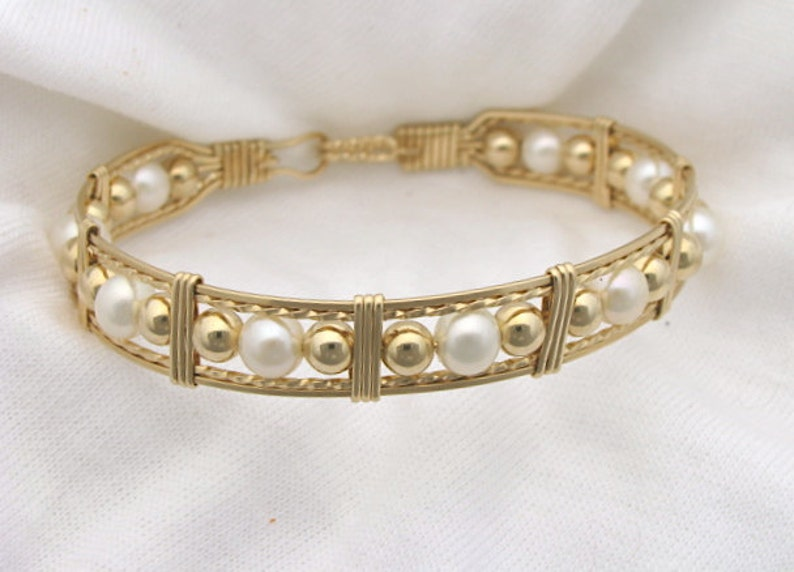 Cultured Pearl Bracelet in Gold Made to Order Any Size image 1