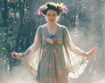 Size Small... Vintage Gunne Sax Dress... Huge Sheer Bell Sleeves... 1970s Boho Couture