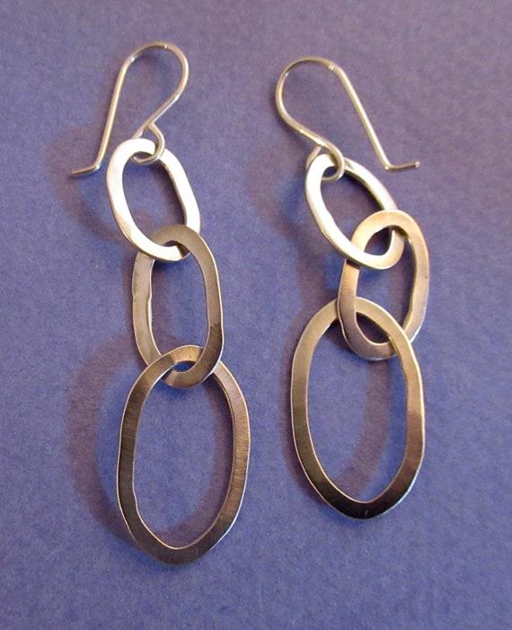 Vintage Graduating Purple Satin Glass Beads /& 925 Sterling Silver Long Earrings