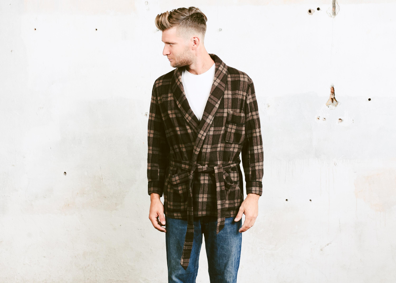 Vintage Smoking Jacket Men 70s Morning Robe Brown Woolen Robe Hugh Hefner Style Jacket Short Wool Cigar Robe Blazer Size Medium M