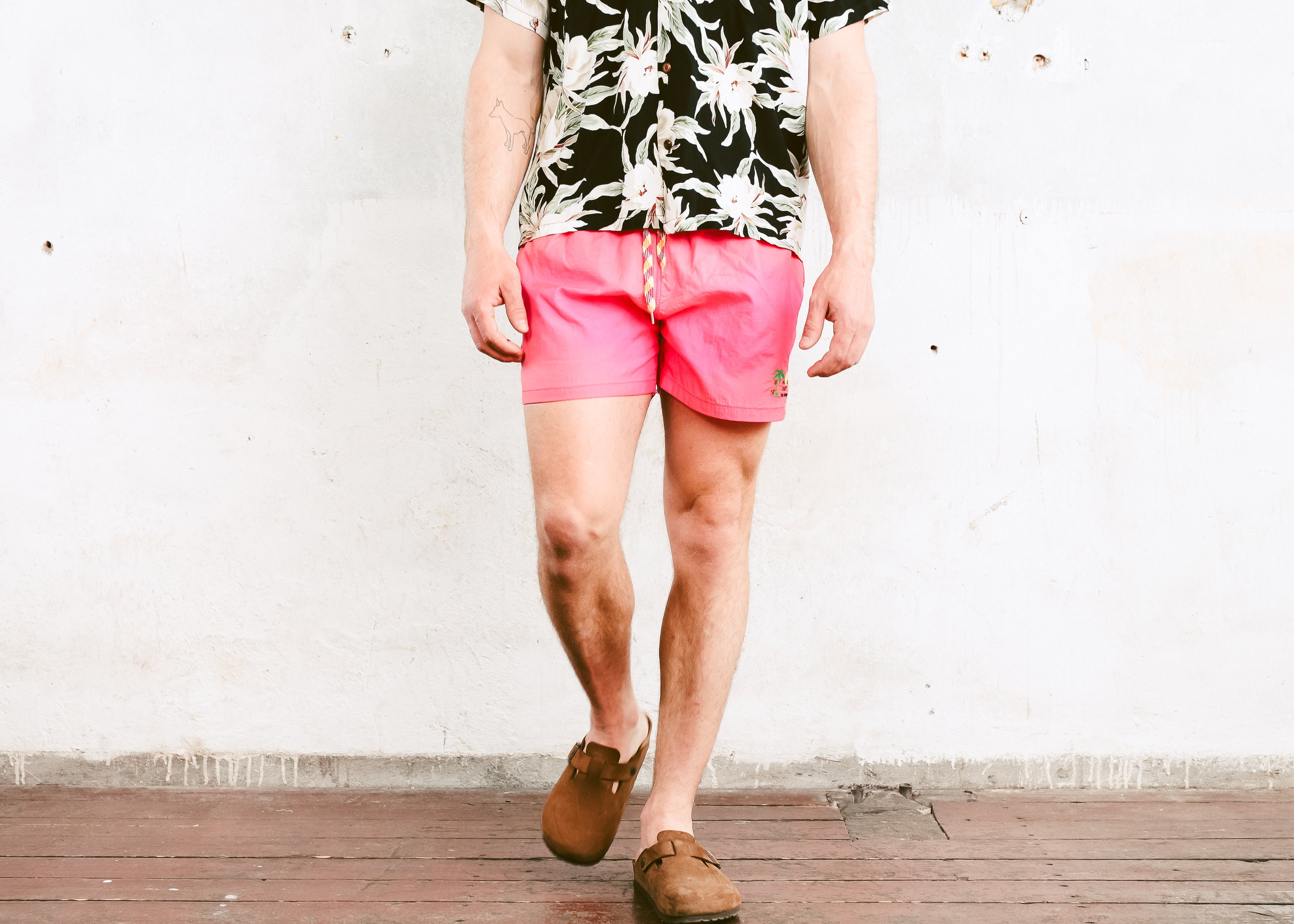 767e53458a Vintage Pink Beach Shorts . 90s Bold Summer Shorts Men's Surfer Shorts  Men's Swim Trunks Vacation Shorts Boyfriend Gift . size Medium M