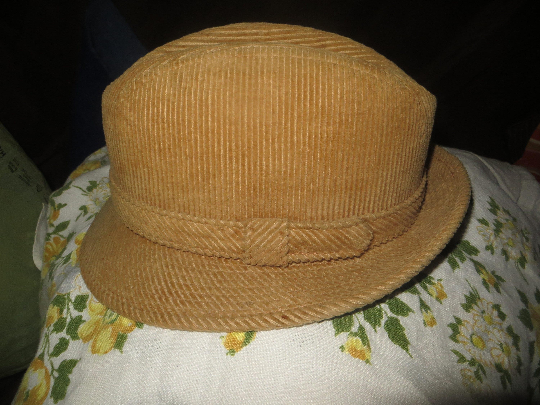 Vintage Mens FEDORA hat Corduroy YOUNG an YA golden brown  4d84050e073