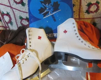 Vintage 80s White w Red Maple Leaf  Women's Ice Skates -sherbrooke by  Brookfield sporting goods   Size 7  new vintage