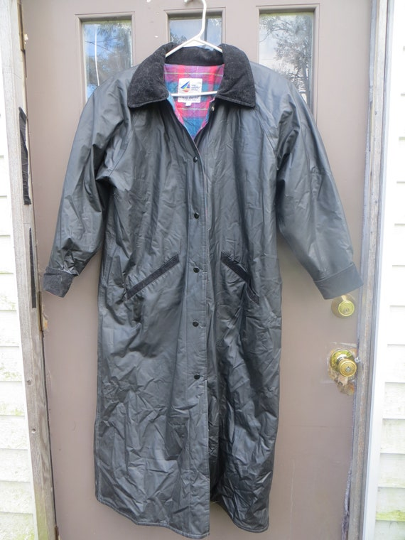 061aba27225b9 Vintage Misty Harbor black pvc with flannel lined corduroy