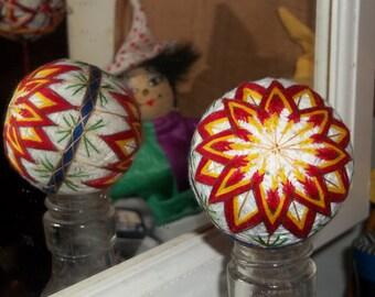 """Japanese-style temari ball white w/ red starflowers 6"""" circumference (#044)"""